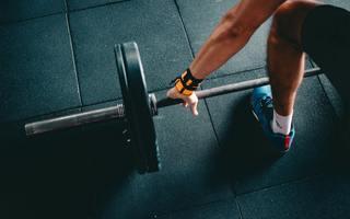 Tiny barbell bodybuilder bodybuilding 841131  1